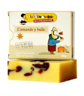 """Savon """"L'amande y bulle"""" au lait d'amande et pain d'épices 100% bio & vegan"""